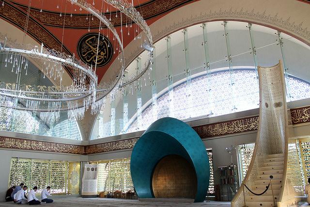 Image of mosque interior
