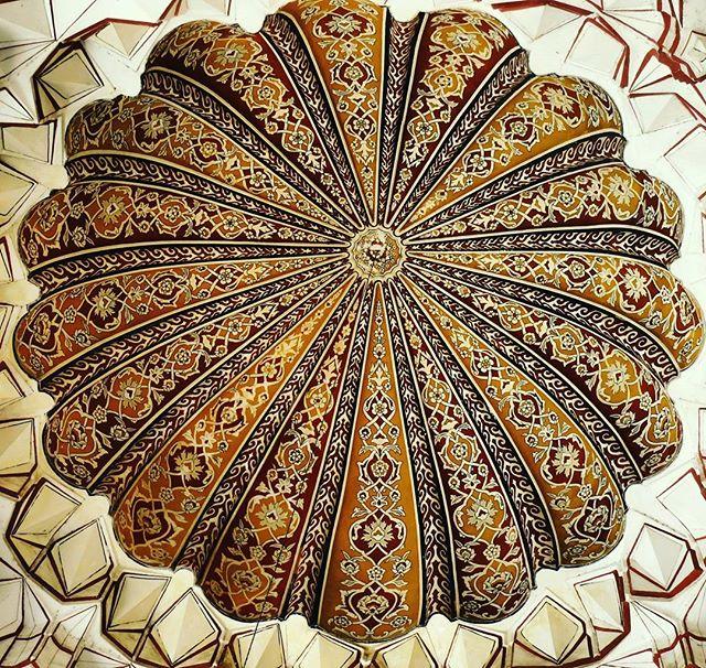 Image of Suleymaniye Mosque ceiling